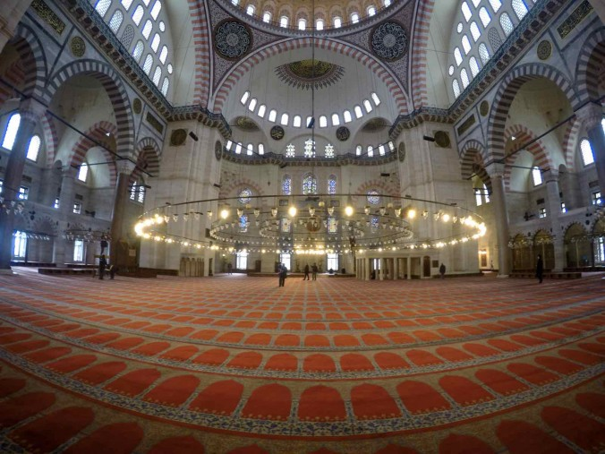 InsideSulemaniyeGP - 7 Unique Experiences to Have In Istanbul, Turkey